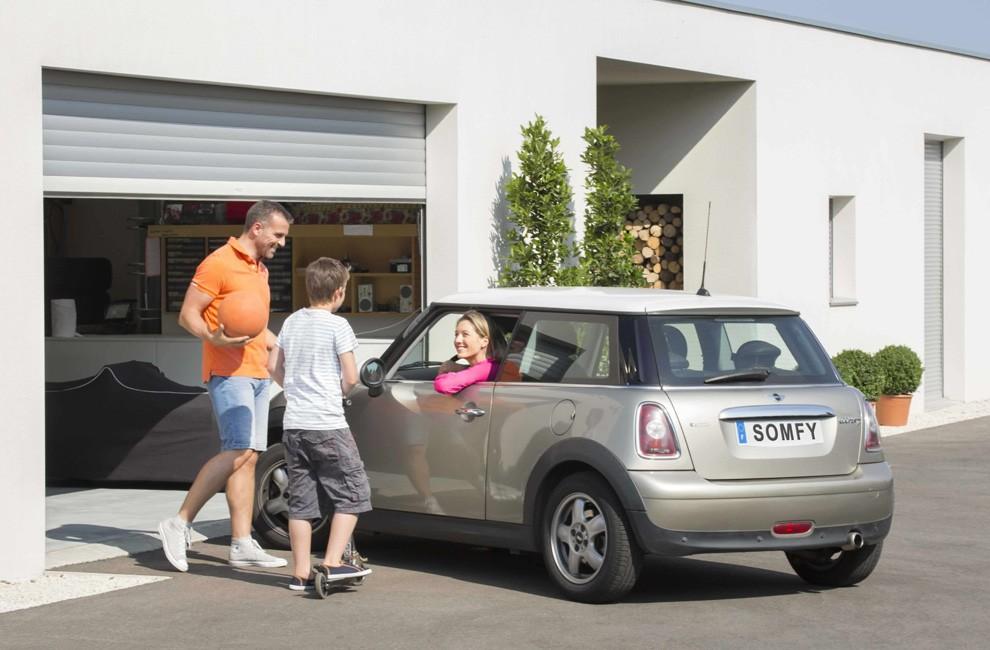 Porte garage lectrique somfy moteur lectrique pour for Budget pour ouvrir un garage auto